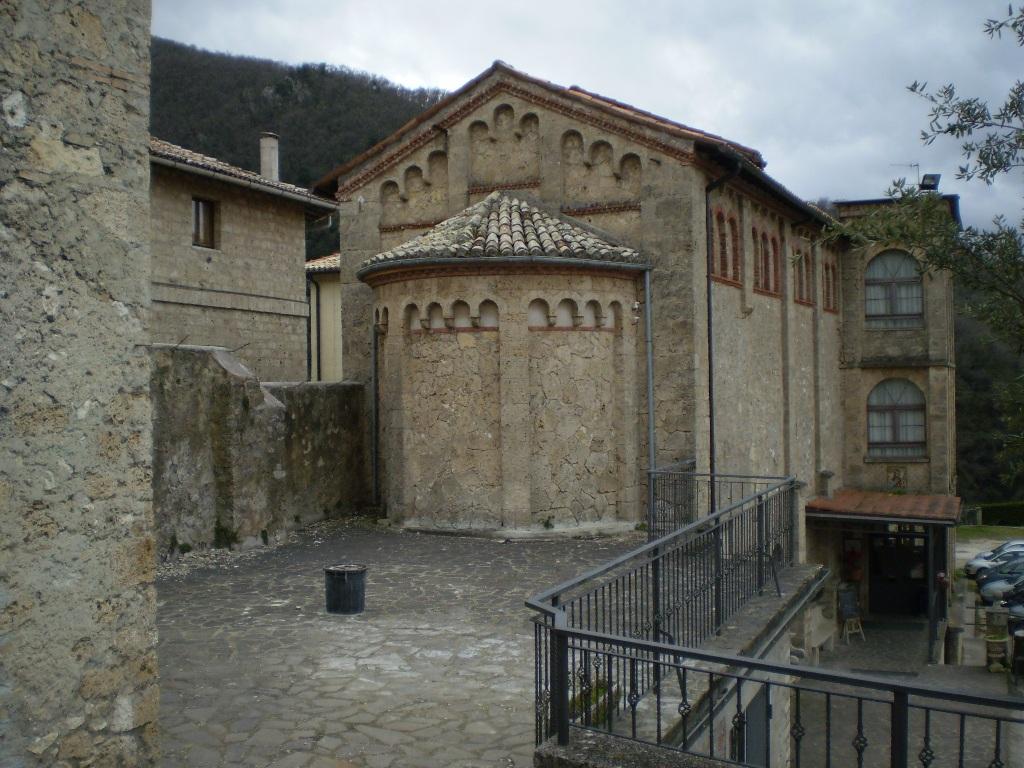 В настоящее время в монастыре Св. Схоластики насчитывается 35 монахов