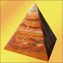 Пирамидка из оникса оказывает энергоинформационное воздействие на человека.  Оникс - это разновидность агата...