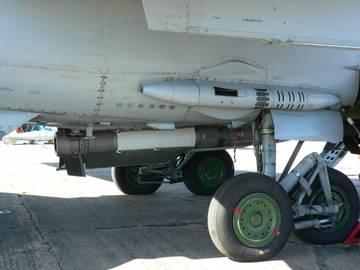 Р-33 - управляемая ракета большой дальности XWOik