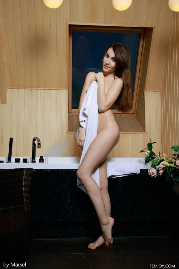 http://s2.uploads.ru/t/yuE0r.jpg